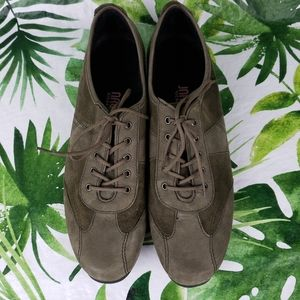 - Munro American olive green suede oxfords 8…